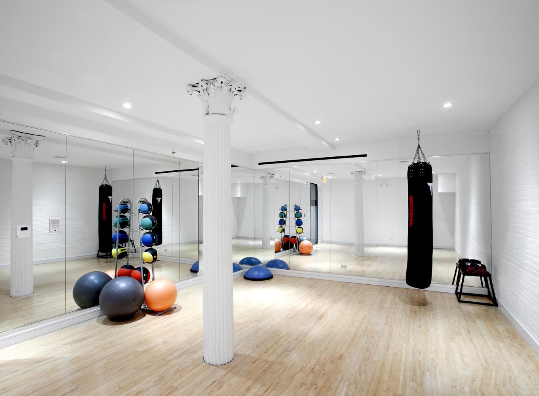 時尚簡約小平米瑜伽館室內裝修效果圖