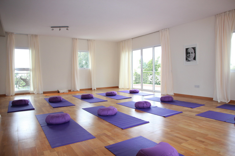 清新戶外自然瑜伽館室內裝修效果圖