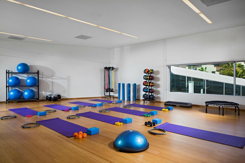 簡約純白清新瑜伽館室內裝修效果圖